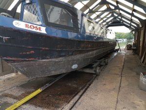narrowboat Rose gets aquasteel rust converter treatment