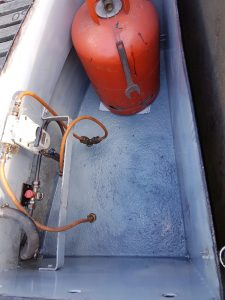 narrowboat treatment with aquasteel rust converter