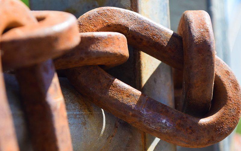 Untreated Rusty Chain Aquasteel